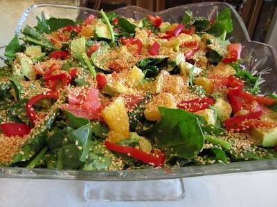 Nurlu Mutfakta!: Avakodolu Ispanak Salatası