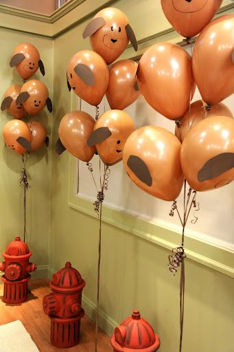 puppy balloons! this is such a great idea. I'm gonna have to try it some time.