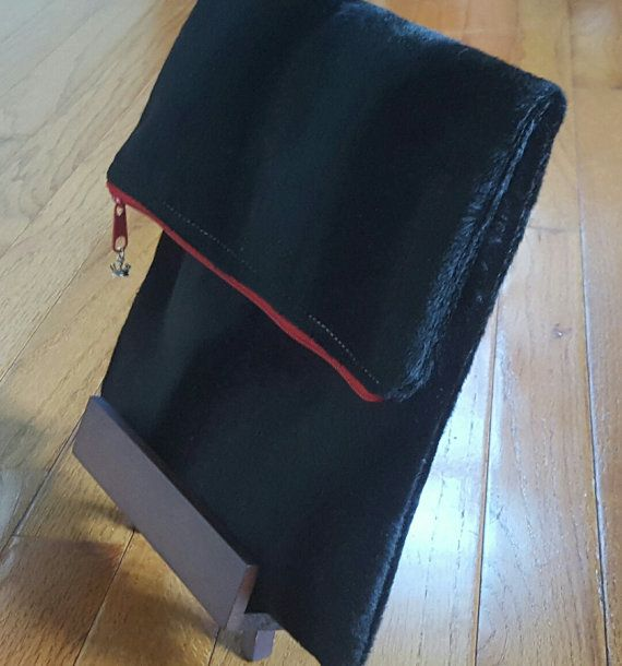 Black and red foldoverclutch , I found this really awesome Etsy listing at https://www.etsy.com/listing/247233694/black-fold-over-clutch