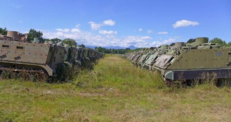 abandoned-italian-army-tanks-and-mothballed-armoured-personnel-carriers-13