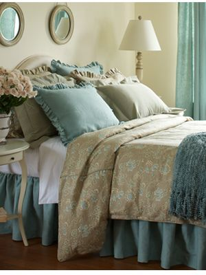 17 Best images about Bedding on Pinterest | Duvet covers, Aubrey o ...