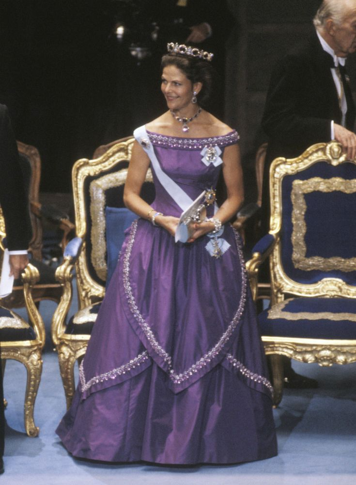 Queen Silvia at the Nobel prize ceremony in 1986 Dress made by Jorgen Bender