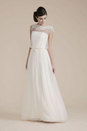 wedding dress by couture hayes http://weddingwonderland.it/2015/07/couture-hayez-la-leggerezza.html
