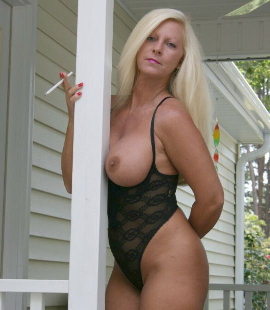 smoking Nude bbw women