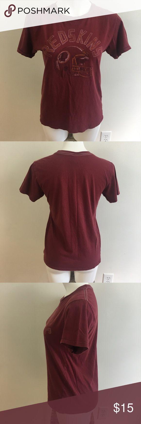 Washington Redskins Retro Graphic T Shirt Junk Food, NFL Washington Redskins, vintage worn look, good condition Junk Food Tops Tees - Short Sleeve