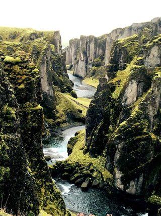 fjaðrárgljúfur canyon, Iceland [2448 × 3264][OC] : EarthPorn