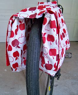 Salty Peanut Stitchery: Bicycle Panniers Tutorial