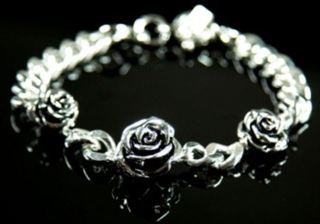One of our favourites from the new 925andco Autumn range - the Annie Antique Rose Bracelet. Just AUD$40! Shop it here:  http://925andco.com.au/shop/shop/annie-antique-rose-bracelet/