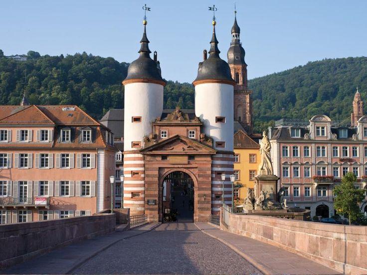 Visit romantic Heidelberg on this delightful morning tour from Frankfurt with Tourboks!