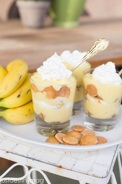 4 cups cold milk 2 pkg. (3.4 oz. each) 1 Vanilla Flavor Instant Pudding & 1 Banana Cream Flavor Instant Pudding 30 Mini NILLA Wafers 4 bananas, sliced 1 tub (8 oz.) COOL WHIP Whipped Topping, thawed Instructions Mix pudding mixes and milk with whisk for about 4 min Set in the fridge for 1-3 hours. Take small jars or cups and put half the wafers on bottom. Top with layers of banana slices and pudding. Repeat all layers. Cover with cool whip. Serve immediately and refrigerate left overs.