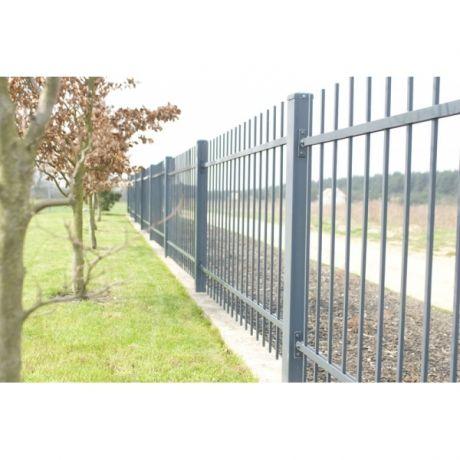 More on: http://www.ogrodzenia-systemowe.pl/realizacje or: http://www.germaplan.com/ #fence #gate #door #dooropener #germaplan