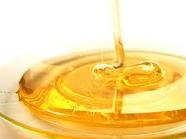 Honey has benefits for your skin. Use it as a homemade pore treatment. Honey removes dirt and oils from the pores and tightens pores without drying out the skin too much. Apply honey directly to the skin as a pore treatment. Leave it on for 10 minutes and wash off with warm water. If you have oily skin, add 3 or 4 drops of lemon juice to the honey.