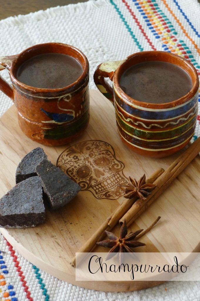 Champurrado. Bebida preparada con chocolate, canela y masa, De origen antiquísimo