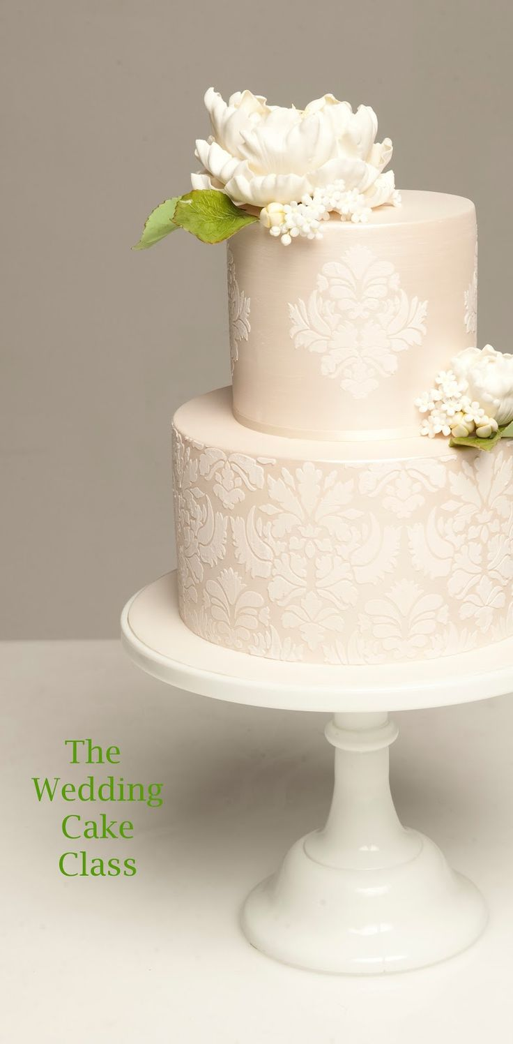 pictures of two tier wedding cakes 25 best ideas about peony wedding cakes on 18449
