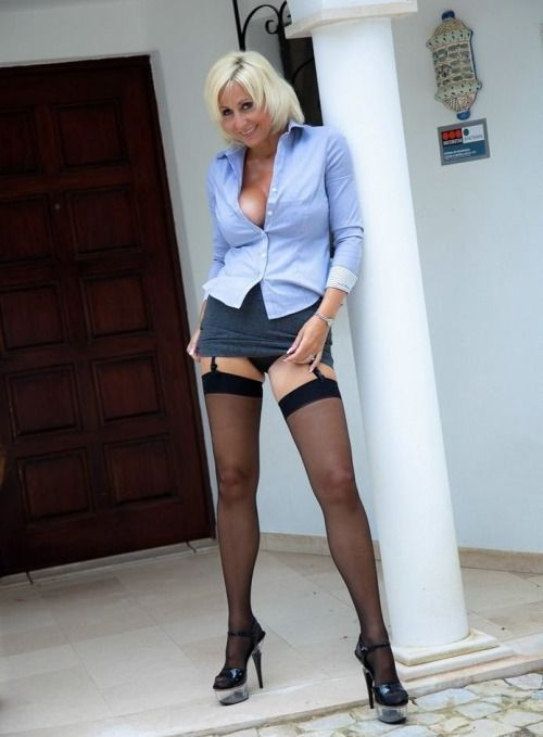 Y short skirts with pantyhose