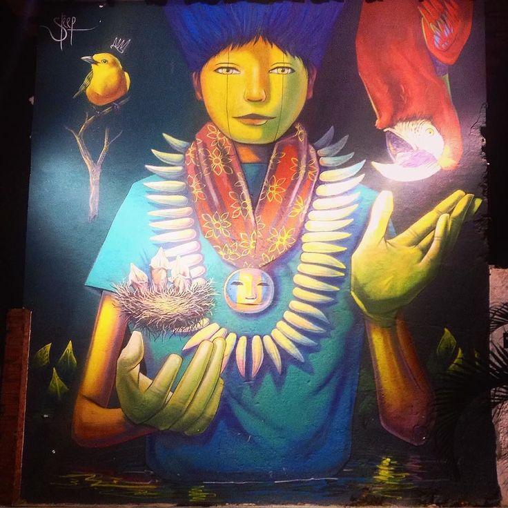 In Colombia there's a lot of beautiful graffiti which have their own style. The government is paying for that. I love it. The city is way nicer with an art. В городах Колумбии много качественного граффити имеющего свой Неповторимый стиль - правительство специально нанимает художников. Это очень круто- город выглядит гораздо интереснее когда на его стенах видишь руку мастера.   #tickettolife #aroundtheworld #travel #america #tickettolife_columbia…