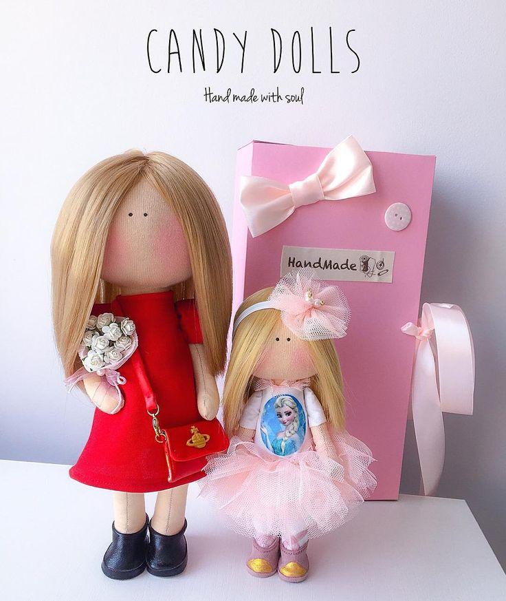 "123 Me gusta, 7 comentarios - @_candy__dolls_ en Instagram: ""Красоточки мама и доченька))) 🎀💖✨ Значок на сумочке от @polymer_clay_mogilev !!! #candy_dolls…"""