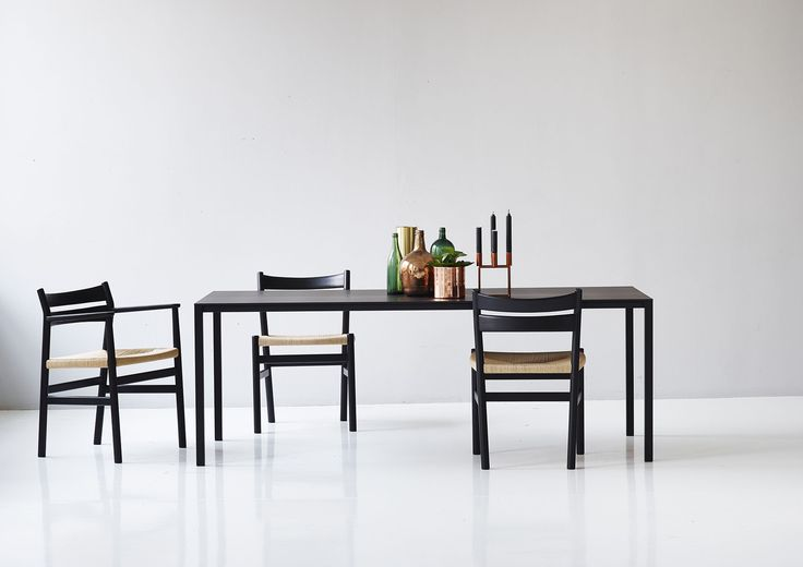 Less Is More Table designed by Jacob Plejdrup together with the BM1 and BM2 Chair designed by Børge Mogensen. #dk3 #Danish #Design #Furniture www.dk3.dk
