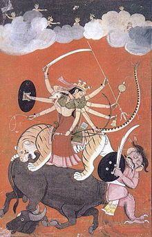 Durgā Mahashasuramardini, c'est-à-dire « combattant le démon Mahashasura ».. Elle est en fait la déesse de la paix. Pour la secte des Shakta, elle est la déesse suprême