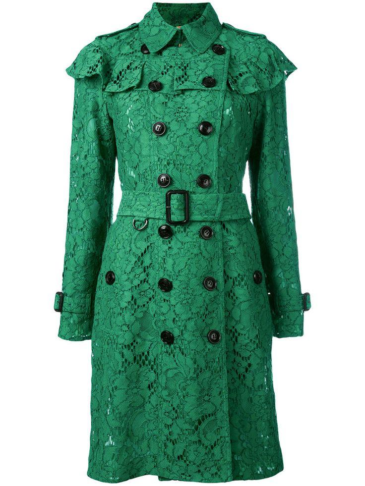 ¡Cómpralo ya!. Burberry - Ruffle Trim Trench Coat - Women - Silk/Cotton/Polyamide/Viscose - 8. Emerald green lace ruffle trim trench coat from Burberry. Size: 8. Gender: Female. Material: Silk/Cotton/Polyamide/Viscose. , trench, trenchlargo, trenca, trencas, trenkas, trenchconcinturón, estilochal, estilochaldeantelina, cascada, funcional, trenka, trenchcoat, trenchcoat, gabardina, trench, trench, trench. Trench  de mujer color verde de Burberry.