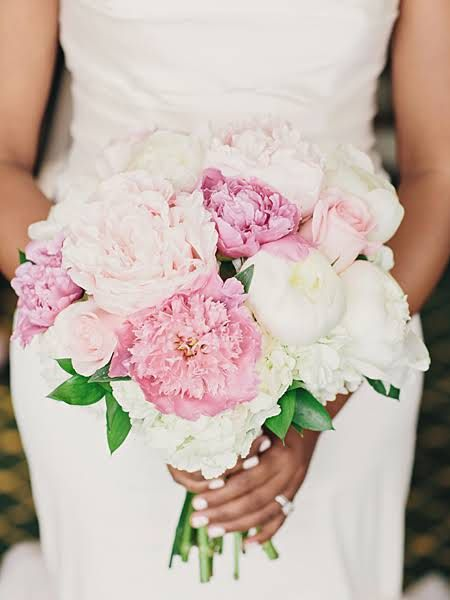 A Romantic Wedding at the National Ornamental Metal Museum in Memphis : Brides