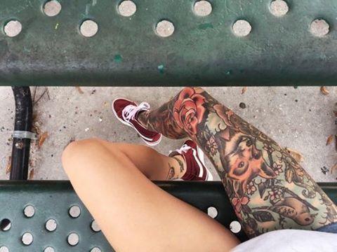 """949 Likes, 1 Comments - TATTOO'S  FEMININAS  ☠️💉 (@tattoopontocom) on Instagram: """"#tattoo#ink#tattoos#inked#art#tatuaje#tattooartistic#tattooed#tattooart#tatuagemfeminina#tatouage#arte#brasil#tattoolife#tatuajes#instatattoo#tattooing#love#tattoo2me#tatuador#bodyart#blackworkers#desenho#selfie#tattoopontocom#tattooist#tatuagens#instagood#tattoomandala#cute#instagood"""""""