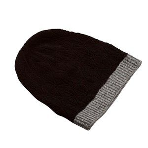 SUPERSOFT hat, black. The season's softest hat. Knitted with a beautiful leaf pattern and glitter hem, which makes it simple and exclusive. Made in sustainable wool from our Italian supplier.
