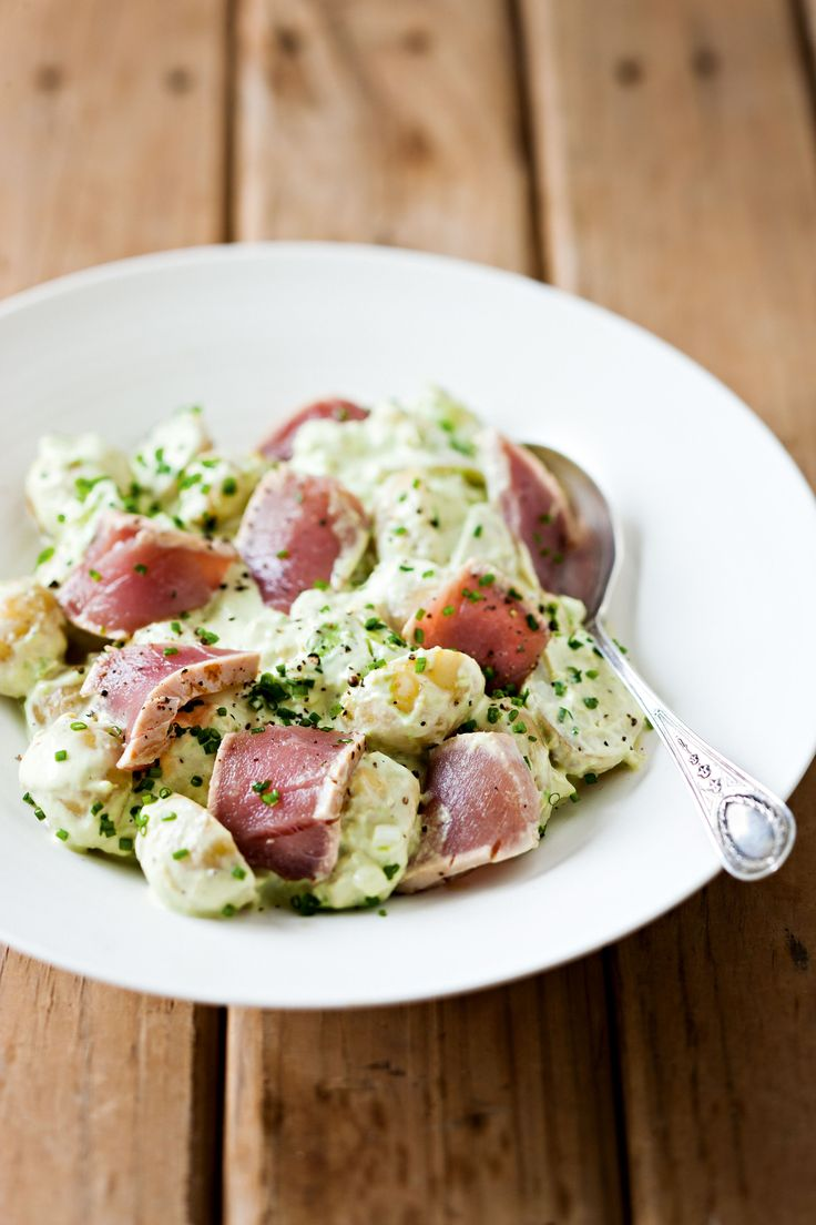 New-Potato Salad with Avocado, Wasabi and Seared Tuna. Are you expecting a horde of hungry guests over the festive season?  Here's my light, bright twist on everyone's favourite salad. #SouthAfrican #recipes