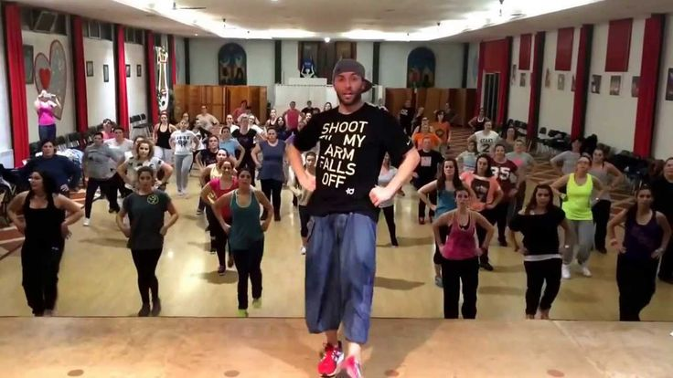 Bailando - Zumba Fitness by Ricardo Rodrigues      Love this song! Sexilicious dance instructor!!!