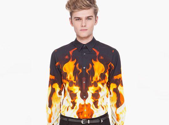 As novas camisas do verão de Alexander McQueen