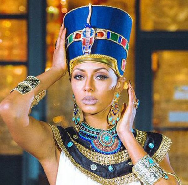 The Making Of A Queen Nefertiti Costume Egyptian Beauty Egyptian Costume