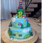 Torta compleanno super mario. Torte decorate con basi in polistirolo e rivestite in pasta di zucchero. Visita il sito e ordina la tua torta decorata http://www.dadadu.eu