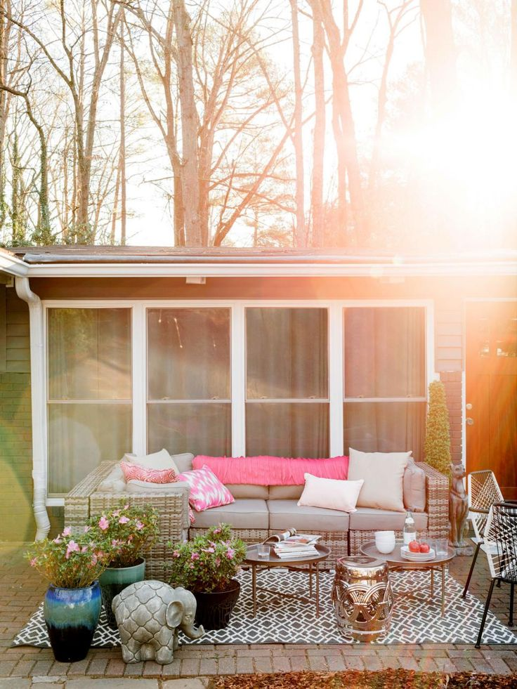 17 Ways To Pretty Up Your Patio For Spring