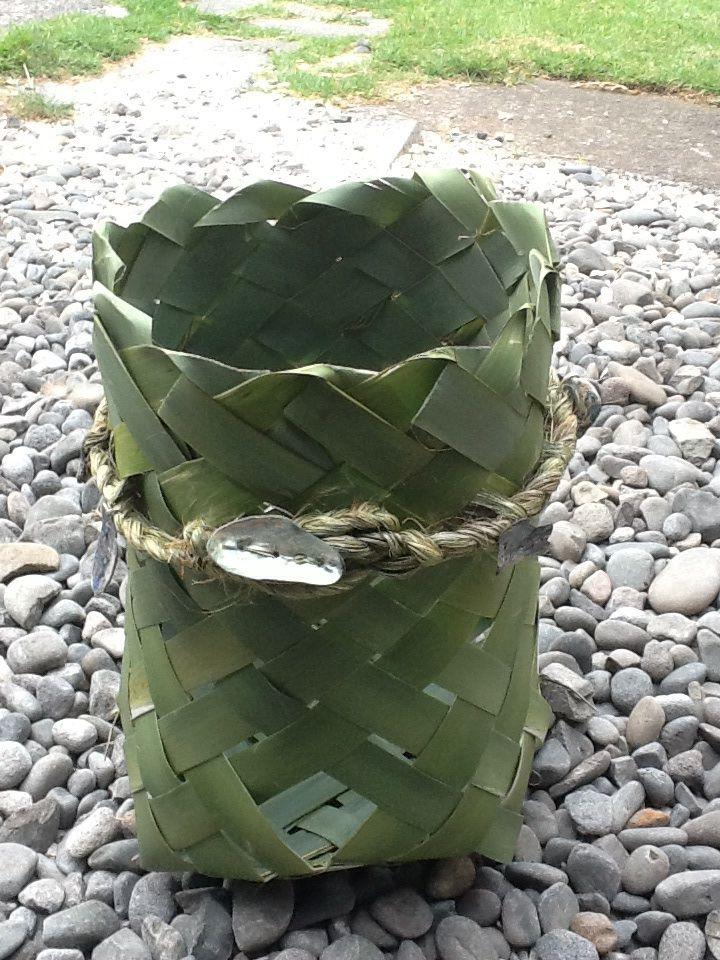 Harakeke kono (undressed flax basket) made by Delwyn McManus, NZ