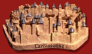 #Médium #figurine de #Carcassonne (L'histoire de Carcassonne est directement liée à celle de la #cité. C'est en 1247 que la #ville s'étend réellement hors de la cité. Il s'agit de la ville basse ou #bastide Saint-Louis)