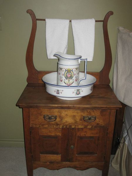 Kijiji: ANTIQUE WASH STAND WITH PITCHER AND BOWL