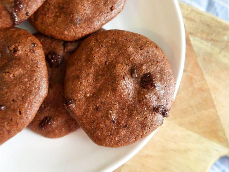 Vem älskar inte härligt sega chokladkakor? Här är ett recept på riktigt goda chokladkakor utan gluten och vitt mjöl. Passar utmärkt för paleo och lchf.