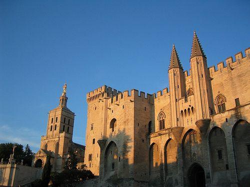 Avignone ... Palazzo dei Papi ... http://www.iviaggidelgoloso.net/2013/03/viaggi-di-primavera-provenza-linguadoca.html