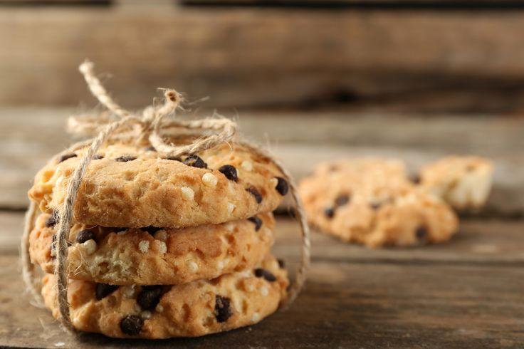 Cookies de aveia com gotas de chocolate e pasta de amendoim