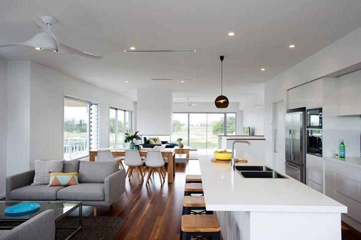Mundo moderno! Ocean Foam excelente elección para aquellos que les gusta lo clásico + brillo ligero. Luce altamente en este entorno minimalista! Por Coast Designs.
