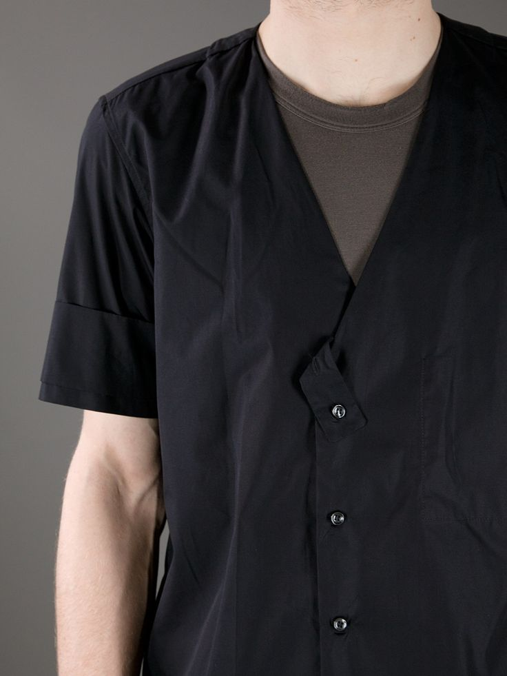 Yang Li short sleeve