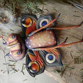 Весна же! И кроме белых мух за окном должны быть бабочки!  Начинаю показывать существ для выставки Фантанима в Японии.  1- Бабочка Павлиноглазка. Текстиль, акрил, бисер всякий , стеклянные глаза.  The first creature for the Fantanima . Butterfly. Textiles, acrylic paints, glass eyes, beads.  #мандрагоринычудовища #мандрагоринотворчество #существа #бабочка #павлинийглаз #весна #моймир #длявыставки #фантанима #fantanima2018 #fantanima #butterfly #mandragora #artdoll #handmade