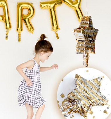 DIY Shooting star party pinata -  fun party decor // Csillag alakú party pinata - cukorkákkal töltött buli dekoráció // Mindy - craft tutorial collection // #crafts #DIY #craftTutorial #tutorial