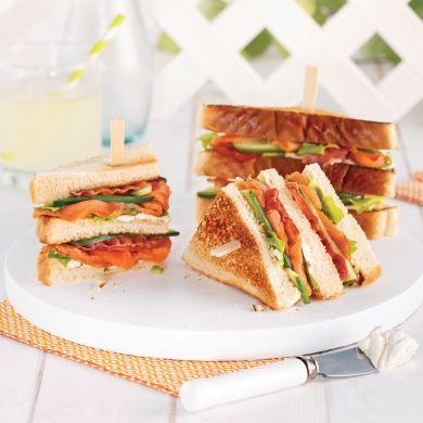 Club sandwich au saumon fumé et bacon - Recettes - Cuisine et nutrition - Pratico Pratiques