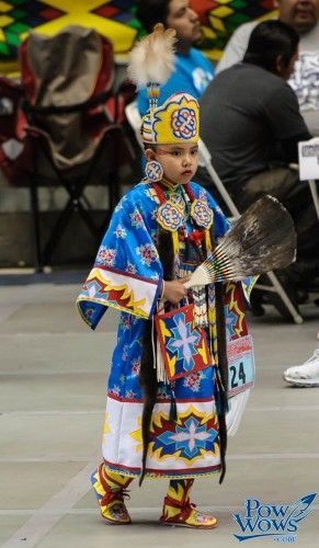 Shes so graceful when she dances...Southern Cloth - 2013 Gathering of Nations
