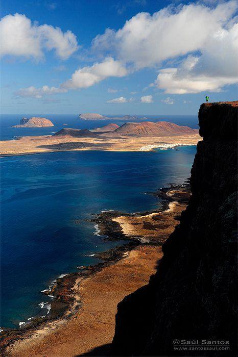 Archipiélago Chinijo desde los acantilados de Famara. Lanzarote, Islas Canarias, Spain.