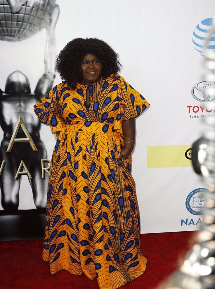 sourcedumal:    messy-elliot:  Gabourey Sidibe attends the 48th NAACP Image Awards.  This is a LOOK. WHAT DESIGNER IS THIS