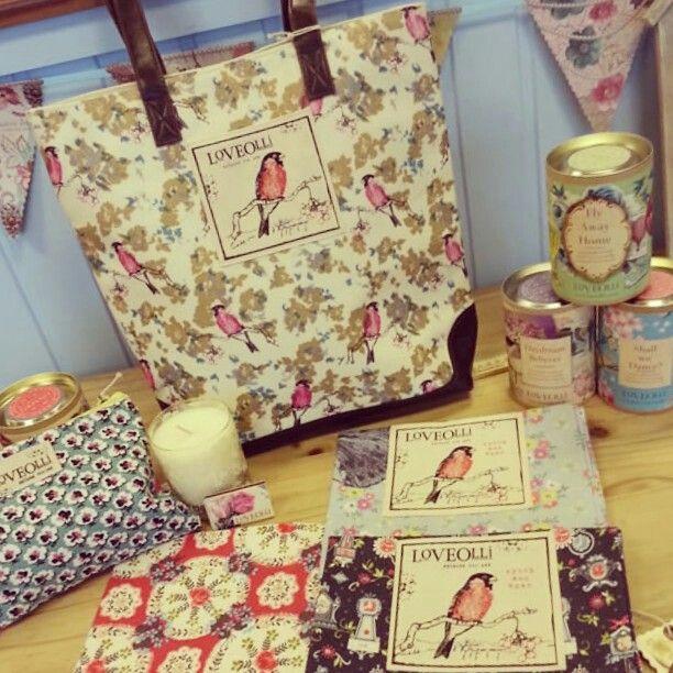 #loveolli #handbag #bag #candle #luxury #indulgence #gift #present #teacupsandtrinkets www.teacupsandtrinkets.co.uk