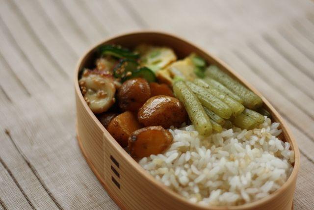 ・枝豆玉子焼き ・タコときゅうりの梅醤油和え ・ふきの山椒煮 ・じゃがいもの甘辛煮 ・玄米入りごはん