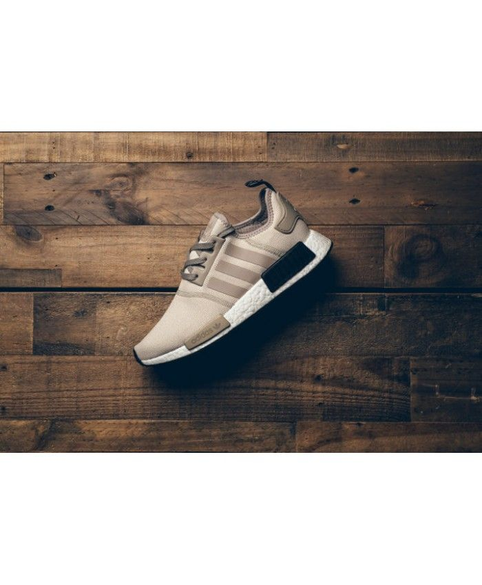 Adidas NMD R1 Khaki Brown Trainer Very quality of a Adidas shoes, very unique.